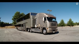 Video Celebrity Motor Homes (Will Smith 2 Story Trailer) MP3, 3GP, MP4, WEBM, AVI, FLV September 2019