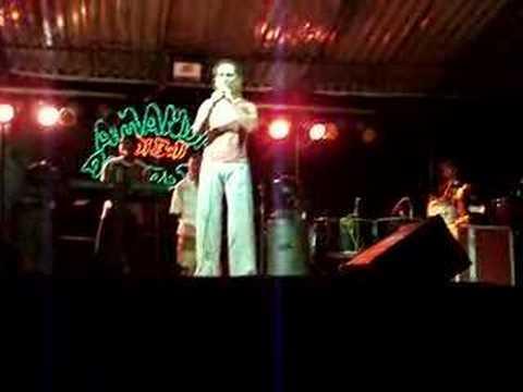 Banda Dibali em Teolândia  Tocando (Você Não Vale Nada)