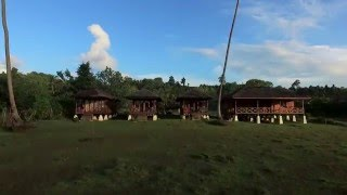 Simeulue Island Indonesia  city pictures gallery : Simeulue Surf Camp Bungalows, Sumatra, Indonesia