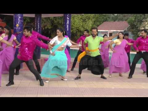 Video VIDEO: Song Shoot Aatankwadi (आंतकवादी ) भोजपुरी फिल्म   खेसारीलाल यादव   अदाकारा शुभी शर्मा download in MP3, 3GP, MP4, WEBM, AVI, FLV January 2017