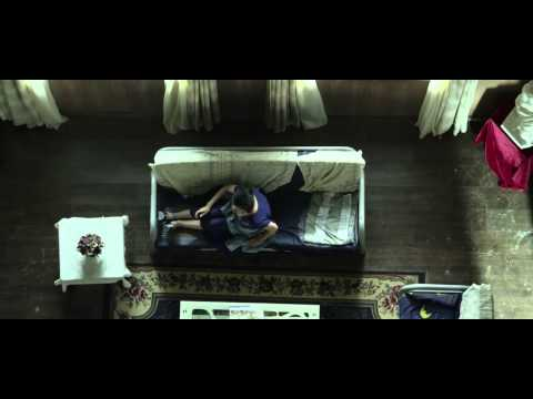 The Blue Lagoon (4/8) Movie CLIP - Sticky Kiss (2015) HD与贼同屋HD