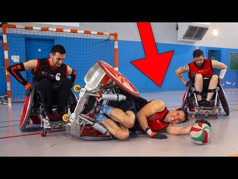 JE TOMBE AU RUGBY FAUTEUIL ROULANT !!