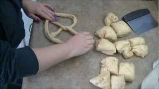 How To: Easy Homemade Pretzels!