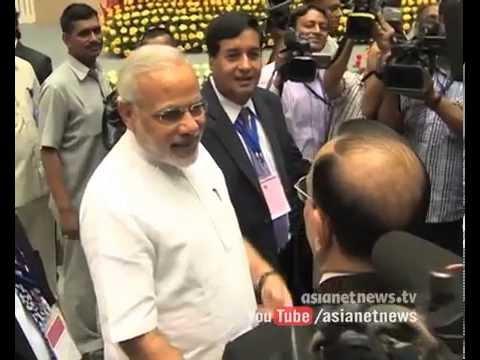 Video PM Narendra Modi in UAE | Modi reached Abu Dhabi download in MP3, 3GP, MP4, WEBM, AVI, FLV January 2017