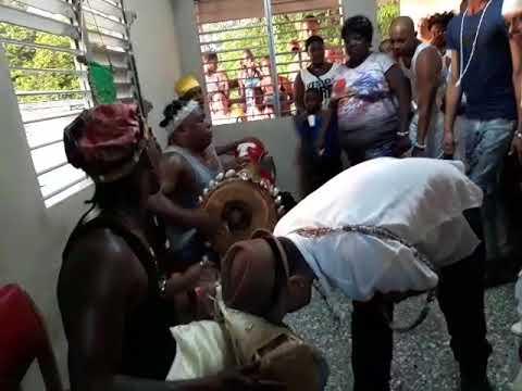 Tambor a Obatala en el Cumpleaños Mesa de Odulami Olo Obatala en Cuba Bahía Honda