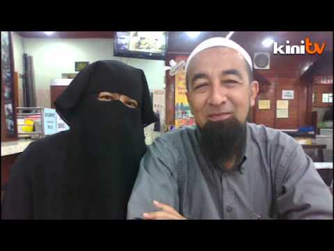 *ustaz - An assistant to popular preacher Azhar Idrus has denied it is the religious scholar who is depicted in the latest pornographic video clip that has gone viral on the Internet.