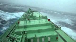 Video A Ship Tackling It's Way Through Huge Waves At Sea - Part 1 MP3, 3GP, MP4, WEBM, AVI, FLV Maret 2019