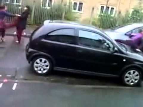 Pakistani girl fight in England