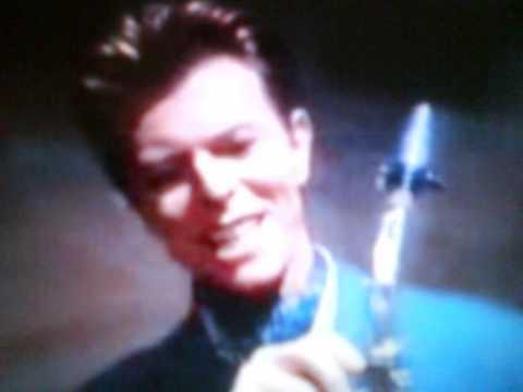 Tekst piosenki David Bowie - Pretty Pink Rose po polsku