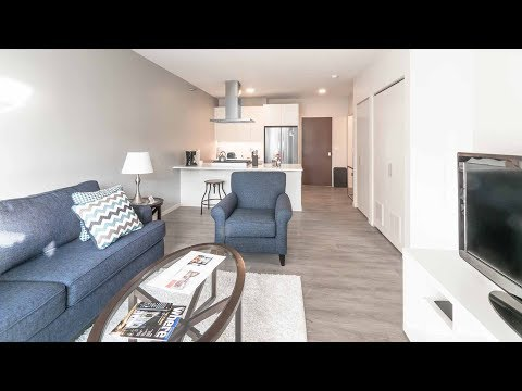 A short-term convertible apartment in River North at 8 East Huron