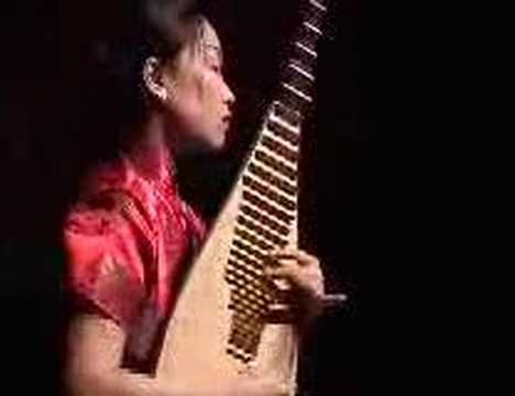 Chinese music -  traditional pipa solo  by Liu Fang 霸王卸甲 劉芳琵琶