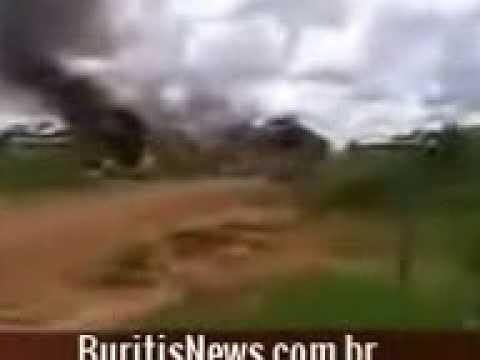 Confronto entre policiais da Força Nacional e famílias, em Rondônia