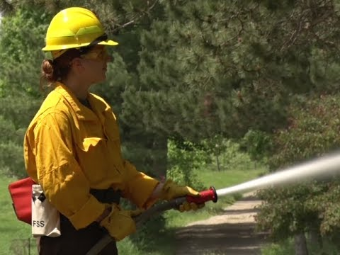 Minnesota Wildfire Academy Prepares Future Firefighters