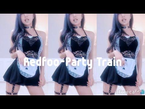 """첫 댄스 영상은 과감하게 """"Party Train - Redfoo"""""""