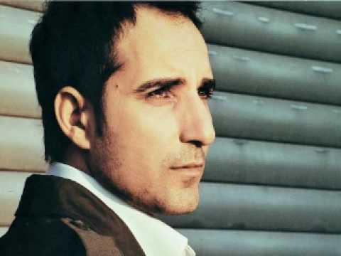 sultani - Rafet El Roman Unofficial Fan Channel Album: Kalbimin Sultanı (2005) Yarabbim, bir yarin Yarin esiriyim Masum bir oyundu Kaybettim yolumu Yarabi bu kulunu Ha...