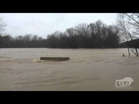12-27-15 Springfield, MO James River Flooding