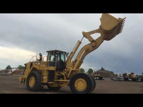 CATERPILLAR CARGADORES DE RUEDAS 988H equipment video -_VQFm546BI