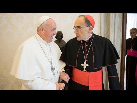 Ο Πάπας δεν έκανε δεκτή την παραίτηση Μπαρμπαρέν