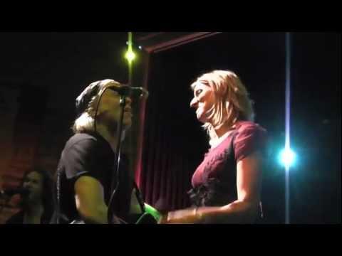 Elliott Murphy & Gaelle Buswel - Knockin' On Heaven's Door (Live Le Soubock - 20-01-2012)