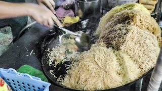 Video All Kinds of Pad Thai Noodles Cooked on the Streets of Bangkok, Thailand Street Food MP3, 3GP, MP4, WEBM, AVI, FLV April 2019