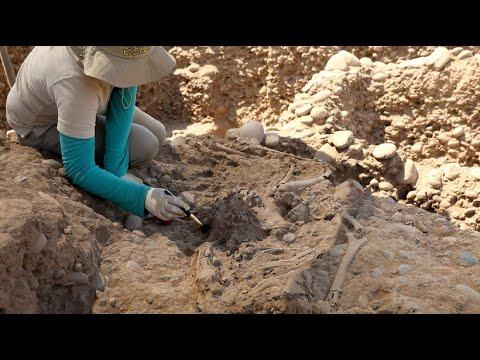 Über 1.000 Jahre alte Knochen in peruanischer Haupt ...
