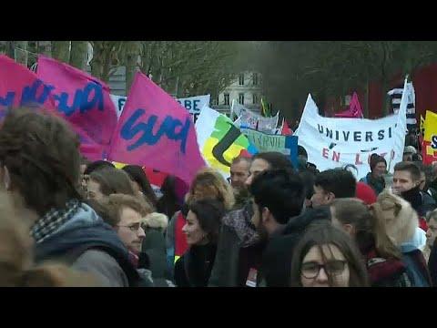 Frankreich: Regierung umgeht bei Rentenreform das Parl ...