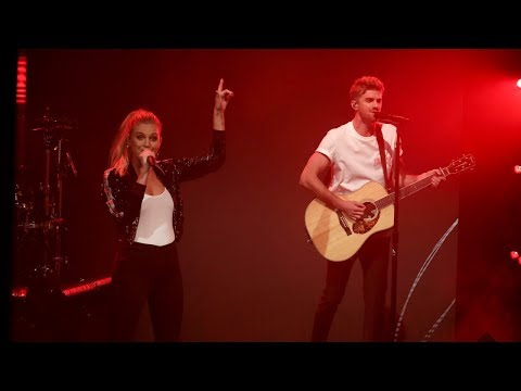 Video The Chainsmokers & Kelsea Ballerini's World Premiere of 'This Feeling' download in MP3, 3GP, MP4, WEBM, AVI, FLV January 2017