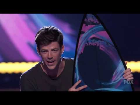 Grant Gustin and The Flash won for #TeenChoice Awards