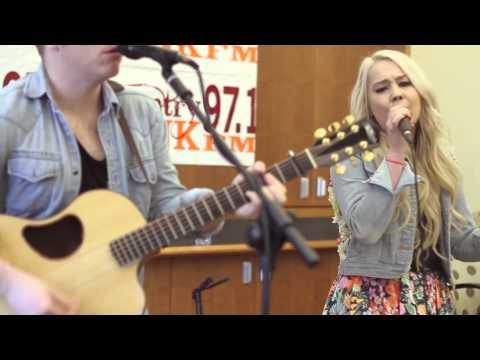 Tekst piosenki RaeLynn - Jolene po polsku