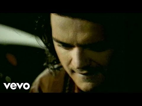 Taxi - Music video by Ricardo Arjona performing Historia De Taxi (Video). (C) 1995 SONY BMG MUSIC ENTERTAINMENT (MEXICO), S.A. DE C.V..