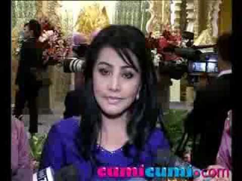 Video Cici Paramida Gak Ambil Pusing - CumiCumi.com.flv download in MP3, 3GP, MP4, WEBM, AVI, FLV January 2017