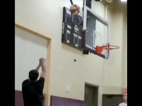 Kobe Bryant Teaches WNBA Stars some of