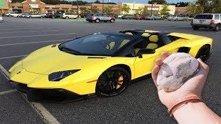 Video Il jette une pierre sur une Lamborghini... (ʘ_ʘ) MP3, 3GP, MP4, WEBM, AVI, FLV Oktober 2017