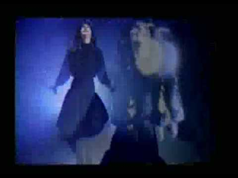 Tekst piosenki Karina - La Noche Es Mágica po polsku