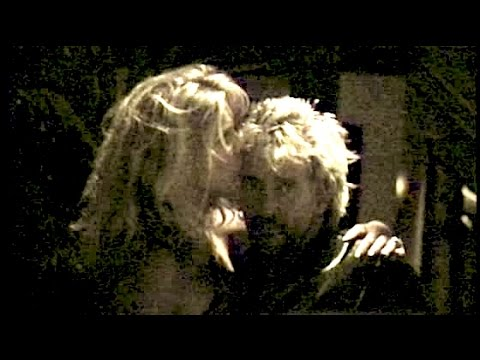 ROD STEWART and RACHEL HUNTER kiss & hug