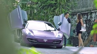 Video Picking up Uber riders with a McLaren - AutoBuzz.my MP3, 3GP, MP4, WEBM, AVI, FLV November 2017