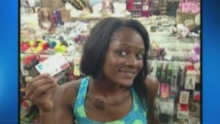 Ratchet Fl~Hoodrat Takes Selife With Stolen Credit Card After Buying $400 Worth Of Weave
