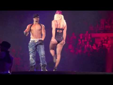 "Britney Spears ""Womanizer"" (Live Encore ~ Detroit) 9/8/09"