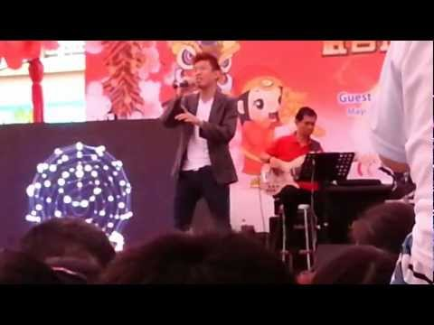 Wang Weiliang (Lobang of Ah Boys to Men) singing 爱你一万年(Ai Ni Yi Wan Nian) – Partial