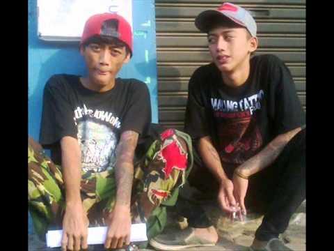 Video Kuli Panggul - IBU RELAKAN ANAKMU BERTATTO (Malang Tatto) download in MP3, 3GP, MP4, WEBM, AVI, FLV January 2017