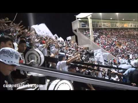 Fiesta en la tribuna del Pincha en Catamarca contra River (CaserosPincha.com) - La Barra de Caseros - Club Atlético Estudiantes