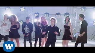 Download Lagu Sweet California - Vuelves (feat. CD9) (Videoclip Oficial) Mp3