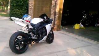 7. 2010 Yamaha R1 walk around with RLS Exhaust