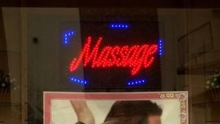 Video Paris : les salons de massage douteux fleurissent MP3, 3GP, MP4, WEBM, AVI, FLV Mei 2017
