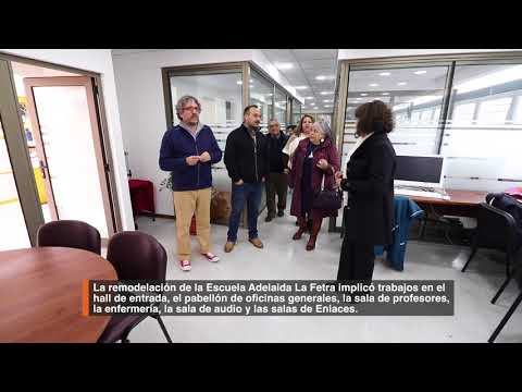 Alcalde Carlos Cuadrado Prats inaugura pabellón principal de Escuela Adelaida La Fetra. Obras implicaron 177 millones de pesos de inversión con los que se intervino el Hall de entrada, el pabellón de oficinas generales, la sala de profesores, entre otros sectores.