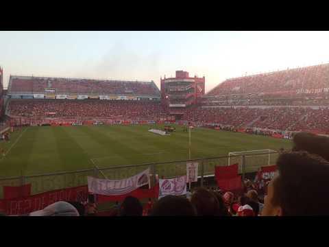 El recibimiento Independiente 0 vs Banfield 1 - La Barra del Rojo - Independiente