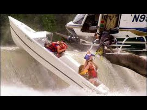 Идиоты за рулем моторных лодок | Аварии на воде снятых на камеру 2018 | Приколы 2 - DomaVideo.Ru