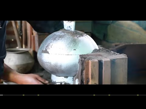 Korfu Saba - Manipuri way of Aluminium casting (Foundry)  Neibani Yengaio.. with ENGLISH subtitle..