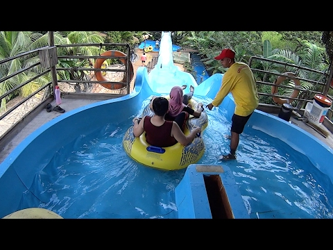 Coaster Tower Water Slide at Wet World Water Park (видео)