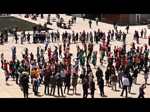 Electric Intertribal Flashmob 2013 at Nathan Phillips Square